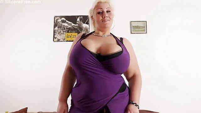 Une femme s'excite et obtient un orgasme avec une robe en soie jacquie et michel videos gratuites entre ses jambes