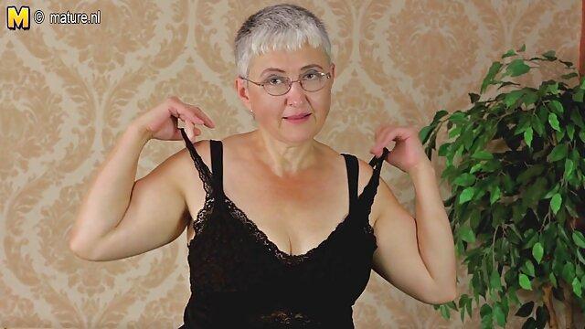 Latina nue sexe sensuel video sensuelle filmée sur la plage nue
