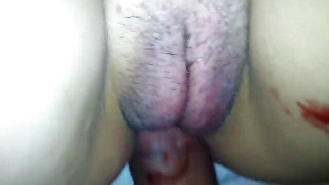 Le nègre coincé dans la bouche vidéo xxx 2019 d'une grosse blonde aux gros seins