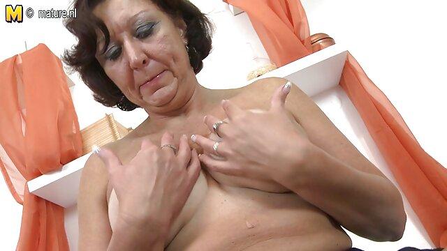 Ébène poussin et film sex porno video femme blanche baise avec un homme
